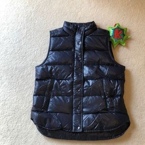 Shiny Puffer Vest in Navy Blue